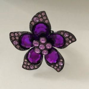 Jewelry - 3 for $25 🛍 Big flower stretchable ring.